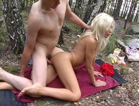 Пикничек с элементами сексуального удовольствия
