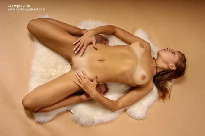 русские голые гимнастки фото